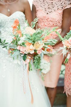 Peach bouquet + bridesmaids dresses   Photography: Brklyn View Photography - www.brklynview.com