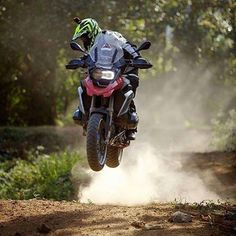 Bmw Adventure Bike, Gs 1200 Adventure, Bmw Motorbikes, Bmw Motorcycles, Bike Bmw, Moto Bike, Trail Motorcycle, Motorcycle Helmets, Honda Africa Twin