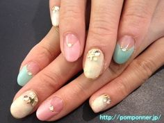 Nail of tie dye pattern using pink and blue    ピンクと水色を使ったタイダイ模様のネイル