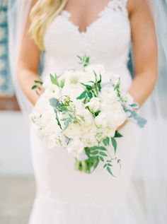 Elegant all-white bouquet: http://www.stylemepretty.com/arizona-weddings/paradise-valley/2016/06/14/a-romanic-yet-fresh-and-modern-floral-inspired-wedding/ | Photography: Elyse Hall Photography - http://elysehall.com/