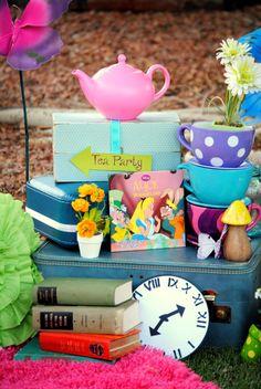 ALICE en Wonderland cumpleaños flecha apoyos por KROWNKREATIONS