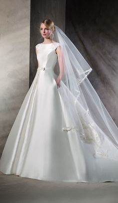 Hedwing, La Sposa at Bicester Bridal