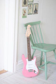 #Meisjeskamer #gitaar | ELGITARR ROSA via mokkasin