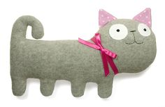 Minous by alelale Softies, Plushies, Art Jouet, Sewing Crafts, Diy Crafts, Cat Pillow, Toy Art, Baby Hands, Cat Stuff
