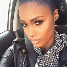 """#browngirlslove septum piercings  by @yariszbeth #piercing #septum #beauty #bodyart #fotd"""