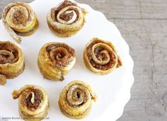 Healthy, high carb, low fat and raw vegan cinnamon rolls? There is no excuse for you to not try these babies, they are heaven in my mouth!