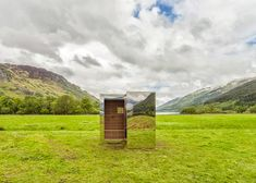 Mirrored cabin situated in a stunning Scottish glen. #mirror #stylepark