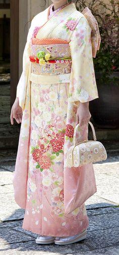 Coming-of-age ceremony kimono catalog / Khul - tradition of kimono Ishige / Ishige dry goods store Japanese Kimono Dress, Japanese Costume, Furisode Kimono, Kimono Fabric, Traditional Kimono, Traditional Outfits, Traditional Japanese, Kimono Chino, Kimono Design