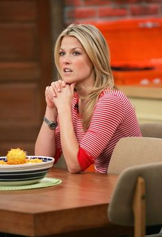 Polished Ali Larter ... Grand Dame... She was listed as 49, 19 and 91 in FHM-s -100 Sexiest Women in the World- in 2007, 2008 and 2009 respectively
