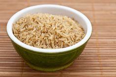 Veja o segredo de como fazer arroz integral corretamente. É fácil e rápido e você tem um arroz integral soltinho e macio.
