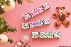 L'Occitane Crackers à craquer.  Sur mon blog beauté, Needs and Moods, découvrez le contenu de ces jolies papillottes à déposer dans l'assiette de vos invitées sur la table de Noêl. Effet garanti! ☺  #LOccitane #LOccitaneFr #LOccitaneFrance #Crackers #Blog #Beauté #Beauty #Cadeau #Noël #xmas #Christmas #BeautyBlog #BeautyBlogger #BBlog #BBlogger #cadeaux #Table @loccitane