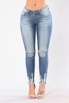 Weak At The Knees Jeans - Medium Wash