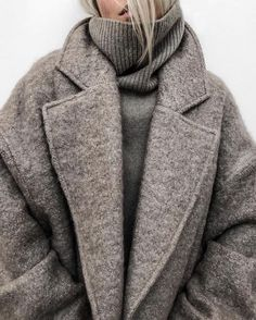 winter outfits warm 12 Warm Winter Outfits That Ar - winteroutfits Mode Outfits, Fall Outfits, Fashion Outfits, Fashion Trends, Skirt Outfits, Cold Winter Outfits, Fashion Clothes, Winter Layering Outfits, Fashion Ideas
