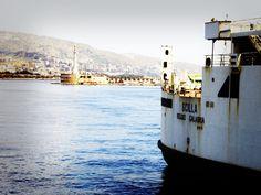 En el mítico estrecho de Messina, entre Sicilia y Calabria. Un sitio especial.