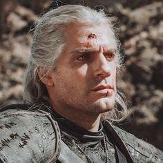 Geralt of Rivia Icons The Witcher Geralt, Witcher Art, Geralt Of Rivia, The Witchers, Golden Jaguar, Tv Series On Netflix, Man Of Steel, Henry Cavill, British Actors