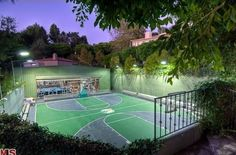 16 Homes With Basketball Courts