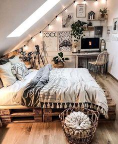 Room Ideas Bedroom, Home Bedroom, Bedroom Inspo, Master Bedroom, Modern Bedroom, Bedroom Designs, Cozy Teen Bedroom, Girls Bedroom, Teen Bedrooms