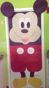 Don't like the Bottom, but the face is cute Arte Do Mickey Mouse, Mickey Mouse Classroom, Mickey Mouse Crafts, Disney Classroom, Classroom Door, Preschool Classroom, Classroom Themes, Kindergarten, Class Decoration