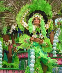 Website for activities around the Brazilian Carnival in Rio.  Includes packages to buy as well as festive photos and background information on Carnival.