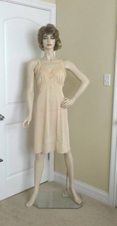 1950s Vintage Full Slip in Beige with Blue Applique Details & Lace, Size 38-40, Vintage Lingerie, Whole Petticoat, Vintage Clothes by VictorianWardrobe on Etsy