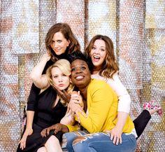 Ghostbusters 2016 Cast Kate McKinnon, leslie Jones, Melissa McCarthy, Kristen wiig