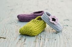 View all Mamachee Patterns here: www.mamachee.etsy.com  **This is a listing for an instant download PDF crochet pattern**  Crochet something that looks knitted! This is a simple pattern that works up fast and comes in 5 sizes. Make these for your children, for yourself, as gifts or to sell!  Pattern includes directions for 5 petal flower and two crocheted balls for embellishing your slippers.  This pattern includes the following sizes: Child size 1-2 (Woman size 3-4) Child size 3-4 (Woman…