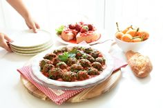 Albóndigas de berenjena con salsa de tomate