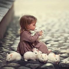 15 Ideas baby cute photography girls for 2019 Cute Photography, Children Photography, Cute Kids, Cute Babies, Baby Animals, Cute Animals, Animal Rescue Center, Rabbit Life, Painting For Kids