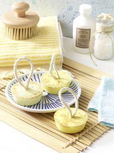 Seife selber machen, das geht? Natürlich! In dieser Anleitung zeigen wir Ihnen wie Sie Seife mit herrlich frischem Zitronenduft selber
