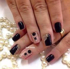 This is a very nice Trendy Nail Arts Design in nude or pastel colors with rhinestone or diamond or glitters , It gives sophisticated  and luxurious  looks in your nails. Its just enough  glitz to have  a stylish yet not overbearing nail art design.