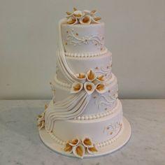 4 tier wedding cake lillies