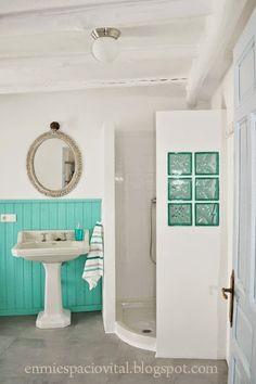 Vintage boho bathroom in my rural house Casa Mosaico. Nigüelas. Granada. Spain. http://casamosaico.wix.com/granada