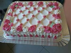 Square Birthday Cake, Birthday Sheet Cakes, Cake Icing, Buttercream Cake, Cupcake Cakes, Cake Decorating Designs, Cake Decorating Techniques, Beautiful Birthday Cakes, Beautiful Cakes