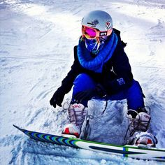 Be the coolest chick on the slopes in the SPY Optic Marshall womens snow goggles for only $110.