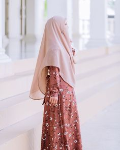 Hijab Fashionista, Vintage Princess, Hijabi Girl, Casual Outfits, Fashion Outfits, Beautiful Hijab, Niqab, Hijab Outfit, Muslim Women