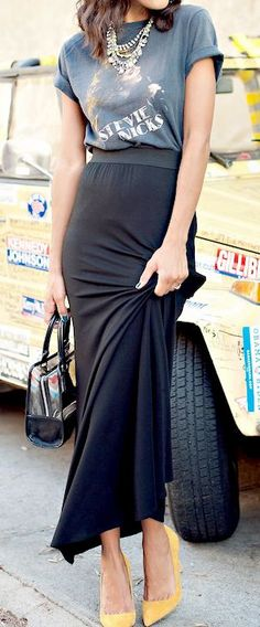 Just a Pretty Style: Street fashion black maxi skirt, printed shirt and statement necklace