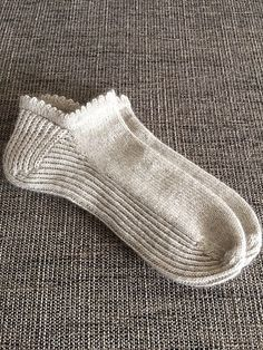 Ravelry: Project Gallery for Summer Sporty Ankle Socks pattern by Belinda Too Crochet Socks, Knitting Socks, Hand Knitting, Knit Crochet, Knitting Patterns, Knit Socks, Crochet Shrugs, Crochet Sweaters, Sewing Patterns