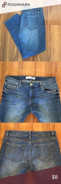 Joes Fresh Boyfriend Jeans. Size 8. Like new boyfriend fit cropped jeans that can be worn rolled or down. Tried on but never worn. Great fade rinse for a worn look. Rise is 9 inches and inseam unrolled is 26 inches. Joe Fresh Jeans Boyfriend