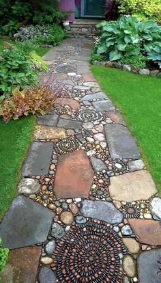 This design ideas are excellent for creating beautiful garden paths that agree with your landscape. Almost all of these examples are simple to create and would work nicely in nearly any garden design. I'm speaking about garden paths. Diy Garden, Dream Garden, Garden Art, Mosaic Garden, Garden Projects, Pebble Garden, Garden Stones, Herb Garden, Vegetable Garden