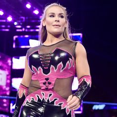 Nikki Bella & Naomi vs. Natalya & Carmella: photos
