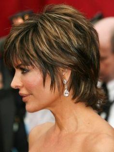 lisa rinna pixie haircut