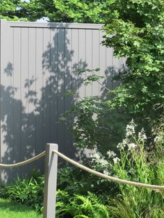10 Versatile Tips AND Tricks: Urban Backyard Garden Veggies backyard garden vegetable to get. Backyard Garden Landscape, Small Backyard Gardens, Large Backyard, Terrace Garden, Back Gardens, Garden Landscaping, Outdoor Gardens, Small Terrace, Backyard Ponds