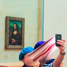 Disturbing Photos of People Getting Sucked Into Their Phone Screens Photographer Antoine Geiger has put together a strange photo series titled SUR-FAKE. Each Photoshopped image shows people in public having their faces suck Photomontage, Les Aliens, Montage Photo, Colossal Art, Fake Photo, French Photographers, Glitch Art, Human Condition, Photo Series
