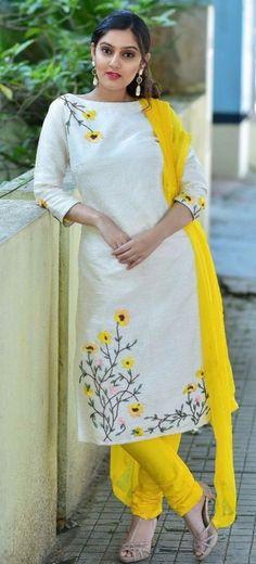 Different types of stylish kurti neck designs - ArtsyCraftsyDad Embroidery Suits Punjabi, Embroidery On Kurtis, Kurti Embroidery Design, Embroidery Neck Designs, Embroidery On Clothes, Embroidery Dress, Salwar Neck Designs, Churidar Designs, Kurta Neck Design