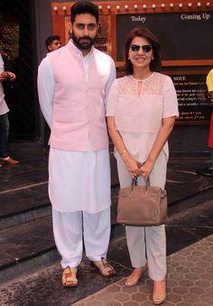 Abhsihek Bachchan and Neetu Singh Kapoor at the Dadasaheb Phalke Awards ceremony. Mens Indian Wear, Mens Ethnic Wear, Indian Groom Wear, Indian Men Fashion, Mens Fashion Blog, Fashion Outfits, Kurta Pajama Men, Kurta Men, Modi Jacket