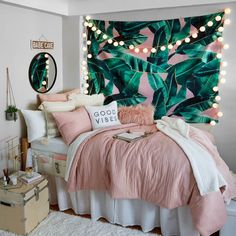 Pink and Grey and White Dorm Room Inspiration. Beach vibes Pink and Grey and White Dorm Room Inspiration. Bedroom Decor For Teen Girls, Teen Room Decor, Room Ideas Bedroom, Cute Teen Rooms, Teen Bedrooms, Teen Bed Room Ideas, Cute Room Ideas, Ideas For Bedrooms, Cute Room Decor