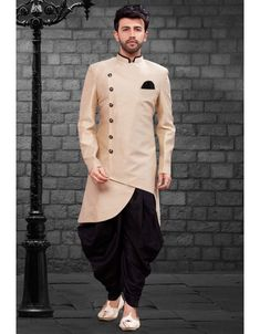 Be your diverse vogue diva with this Lite Gold Color Imported Silk Designer Indo Western Mens Wear. Mens Indian Wear, Mens Ethnic Wear, Indian Groom Wear, Indian Men Fashion, Mens Fashion Suits, India Fashion Men, Men's Fashion, Kurta Pajama Men, Kurta Men