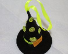 Felt Halloween Ornaments - Black Witch Hat with green sequins and beads - Halloween Decoration
