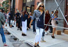 Vogue's Alexandra Michler in Jacquemus blazer  Phil Oh | Vogue | Street style | New York Fashion Week