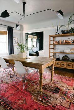 #VinylLaminateFlooring Round Kitchen Rugs, Kitchen Floor, Kitchen Mats, Loom And Kiln, Interior Design Trends, Vintage Wall Lights, Mediterranean Decor, Dining Room Lighting, Fashion Room